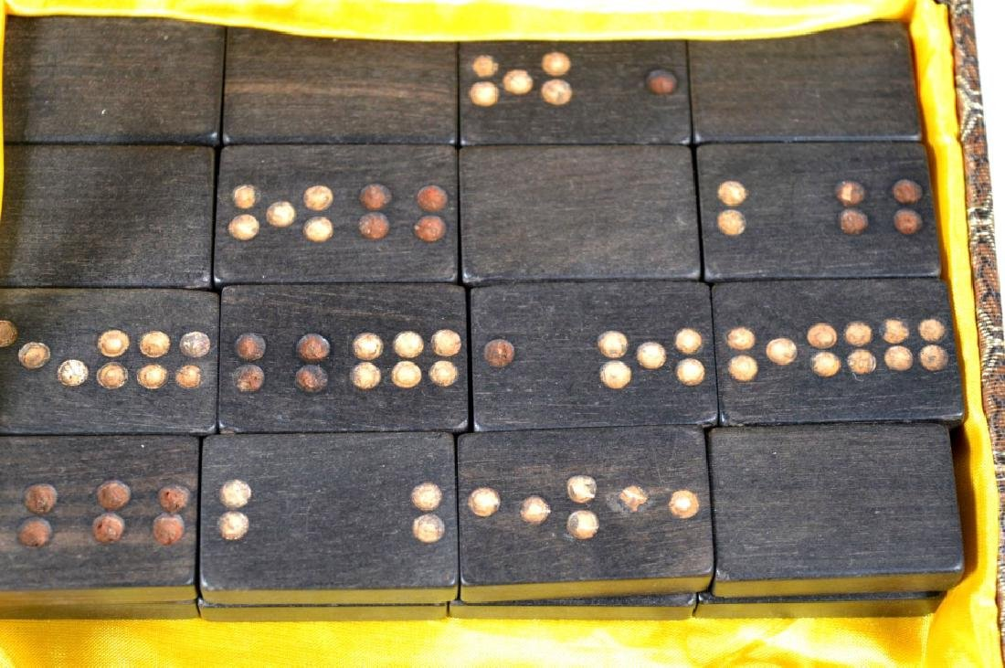 32 Blackwood Dominoes; 2 Dice; Stone Lions - 5