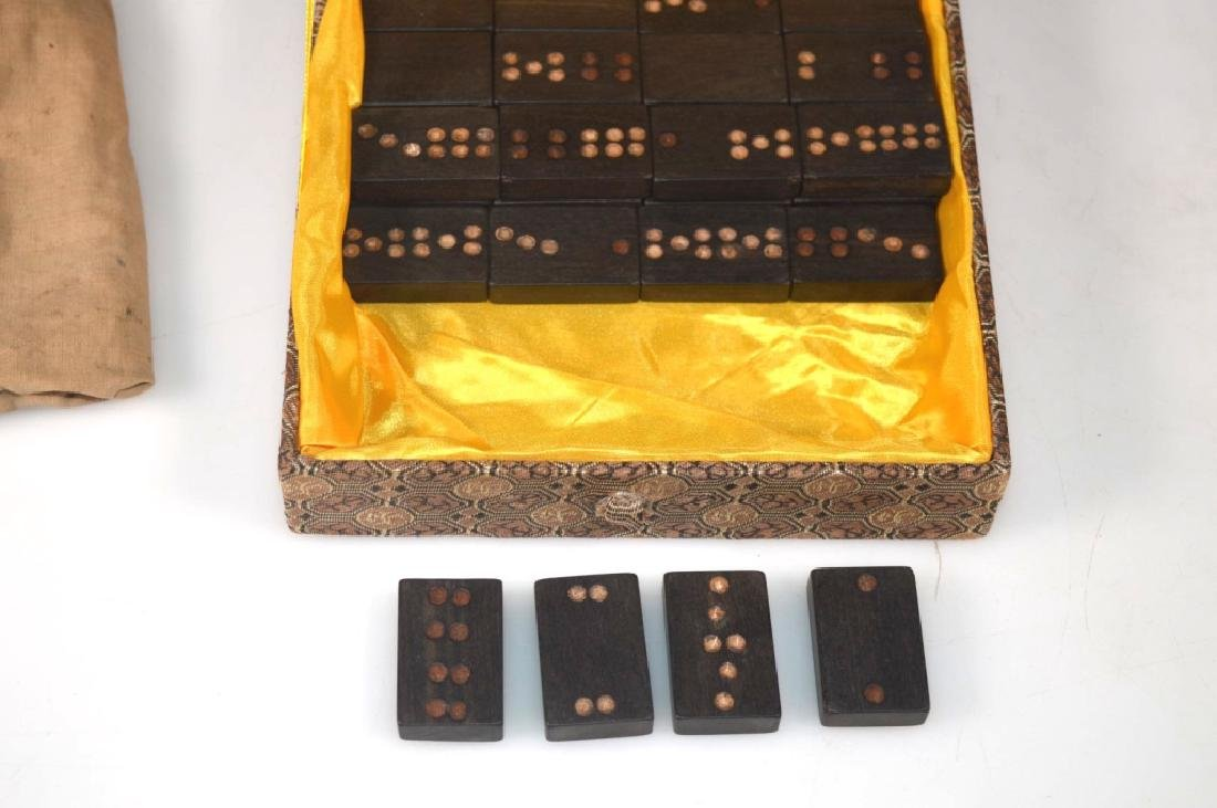 32 Blackwood Dominoes; 2 Dice; Stone Lions - 7