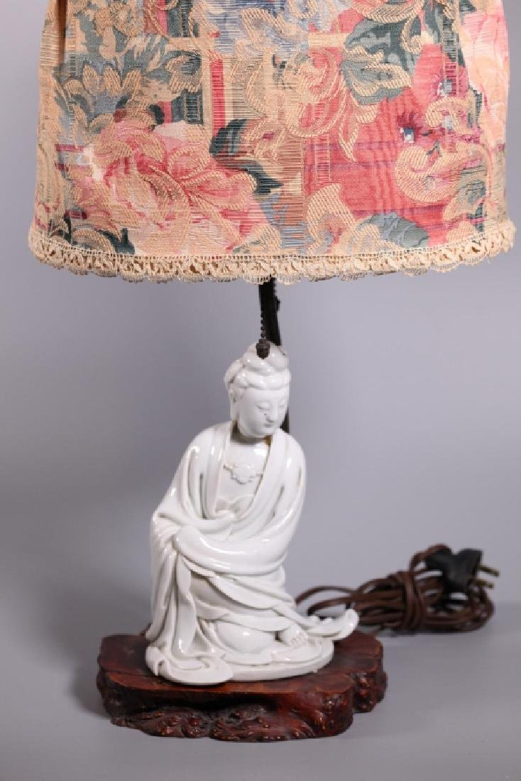 Chinese Blanc de Chine Seated Porcelain Guanyin - 3