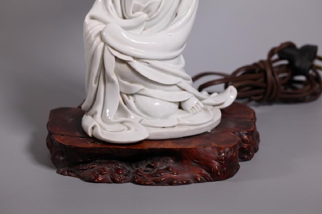 Chinese Blanc de Chine Seated Porcelain Guanyin - 5