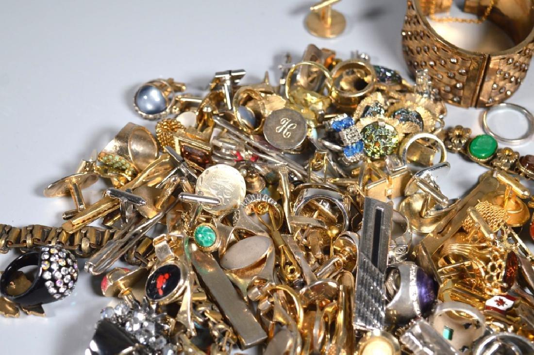 Group Jewelry: Cufflinks Tiebars Rings Bracelets - 3