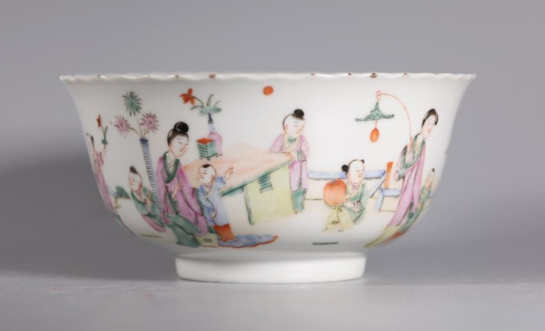Chinese Qing Dynasty Famille Rose Porcelan Bowl