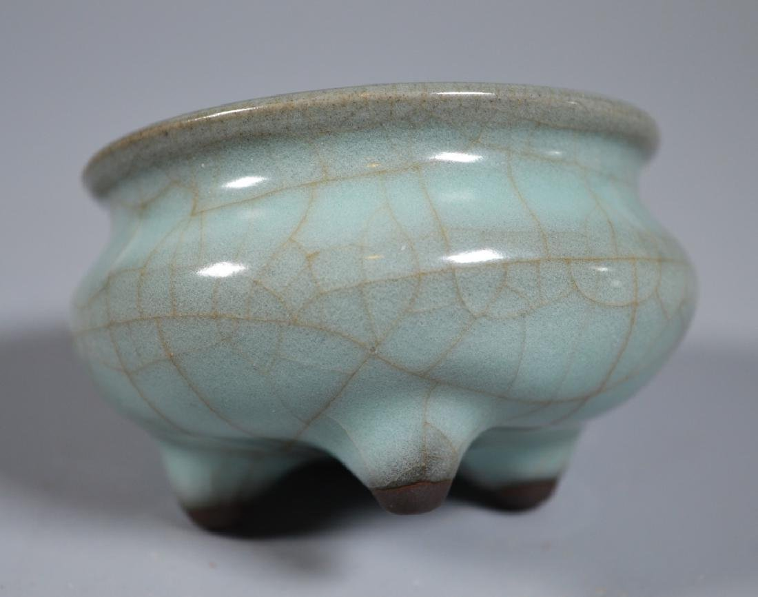 Small Guanyao Pale Blue Crackle Tripod Censer - 3
