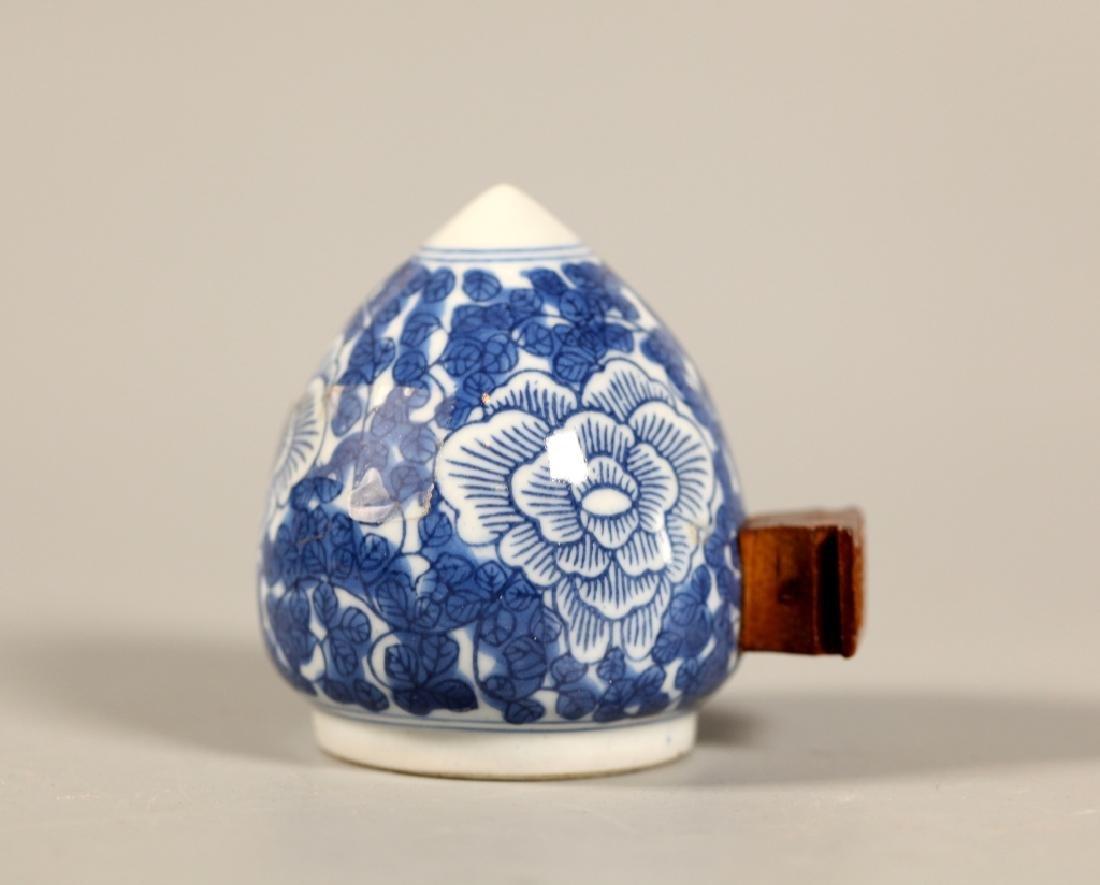 Chinese Blue Porcelain Teapot & 4 Porcelains - 8