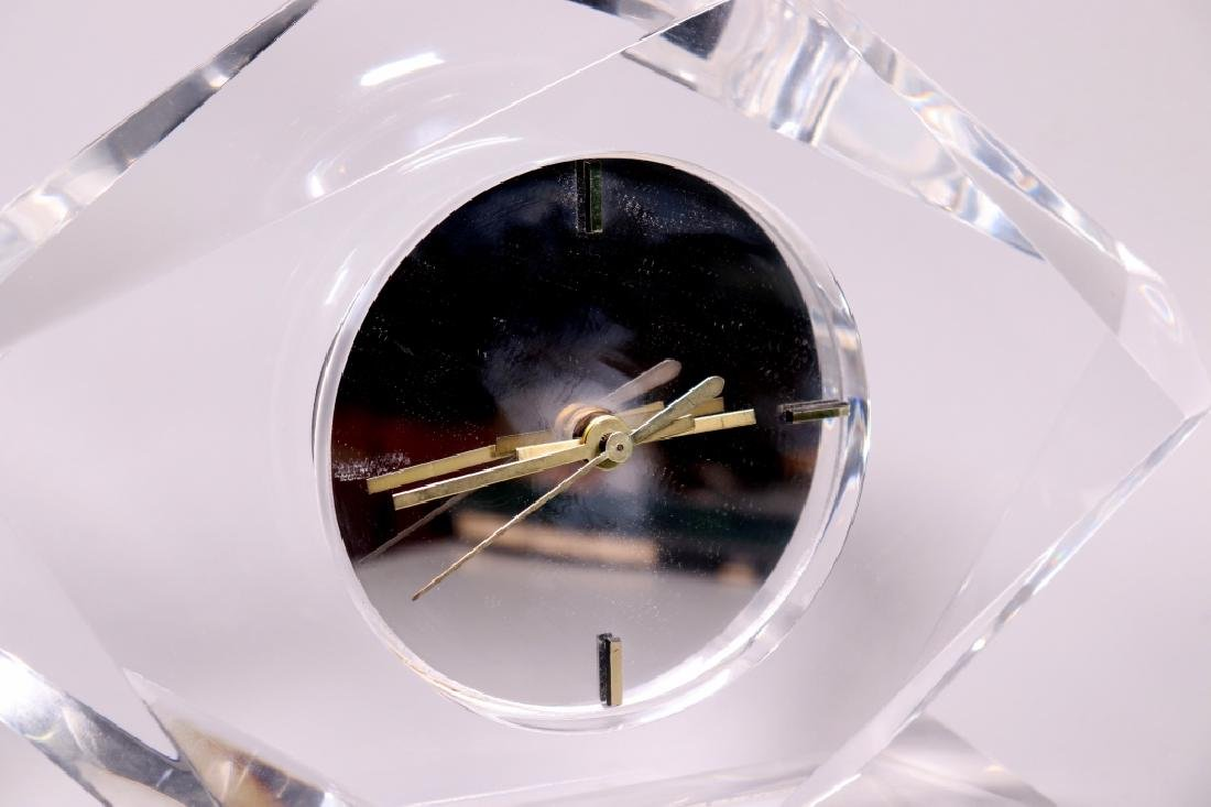 Mid Century Modernist Faceted Lucite Shelf Clock - 3