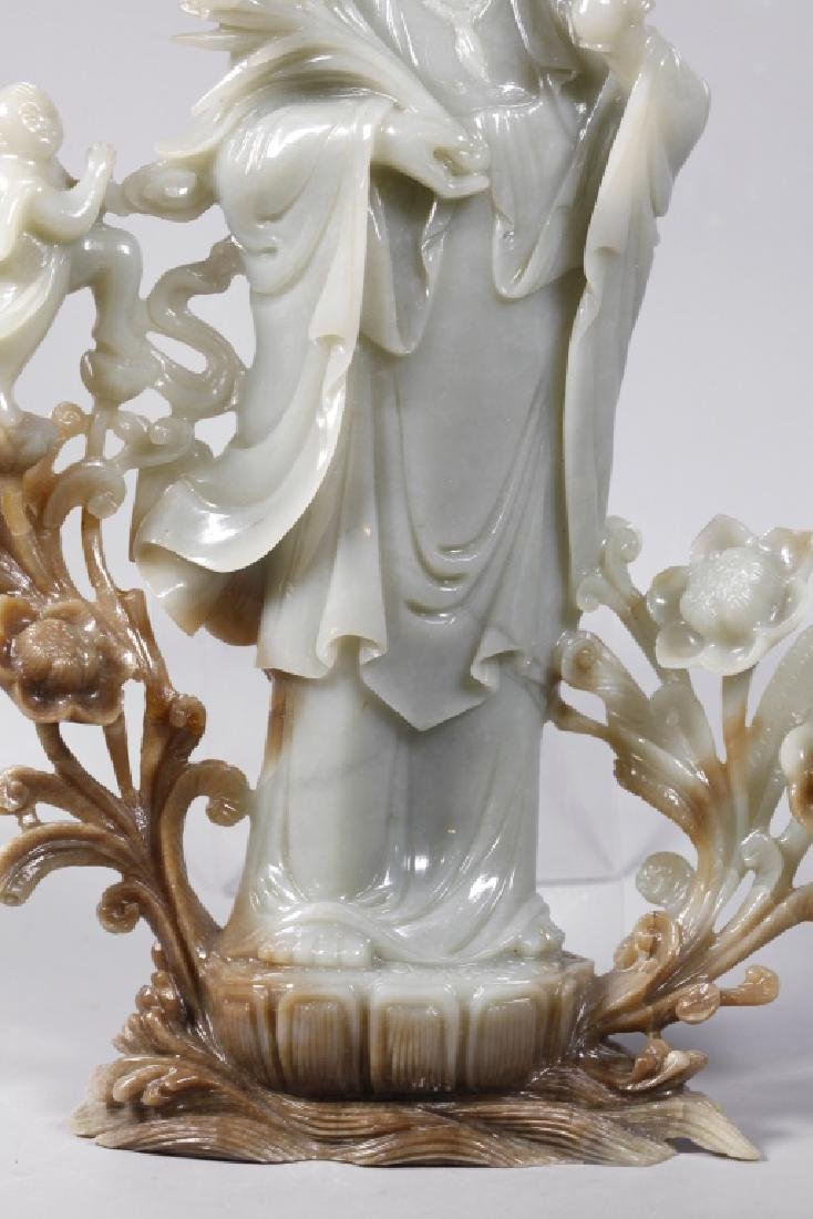 Large Chinese Carved Jade Guanyin - 5