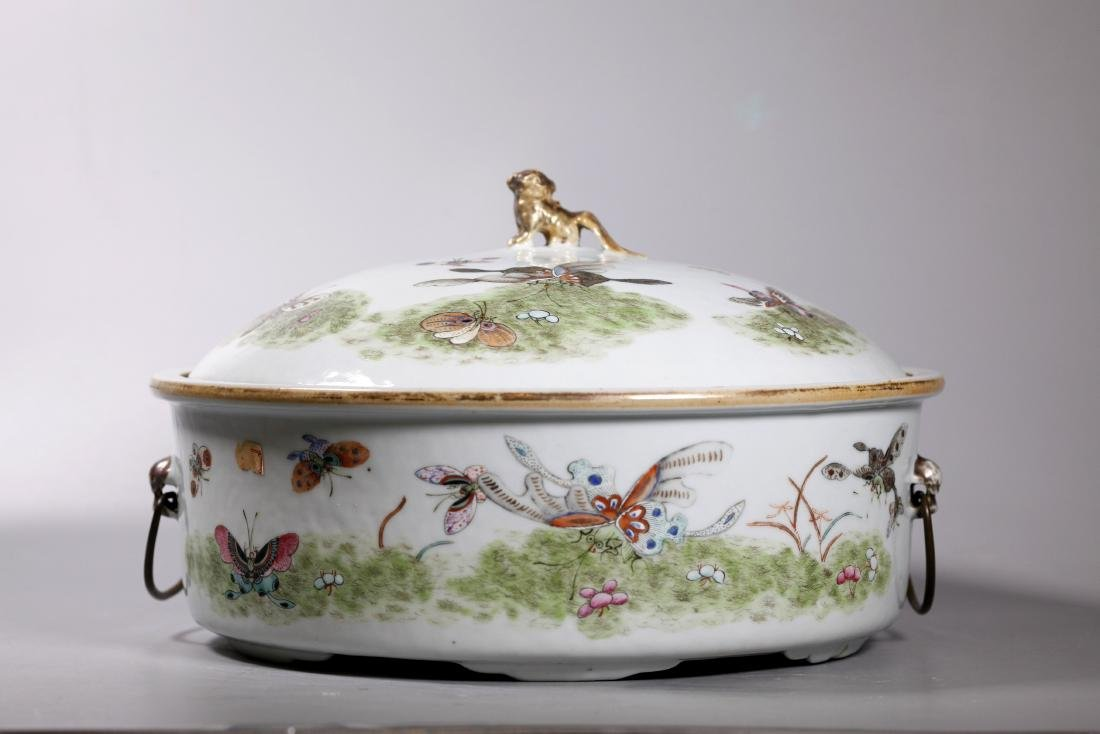 Large Chinese 19 C Butterfly Porcelain Pot & Cover