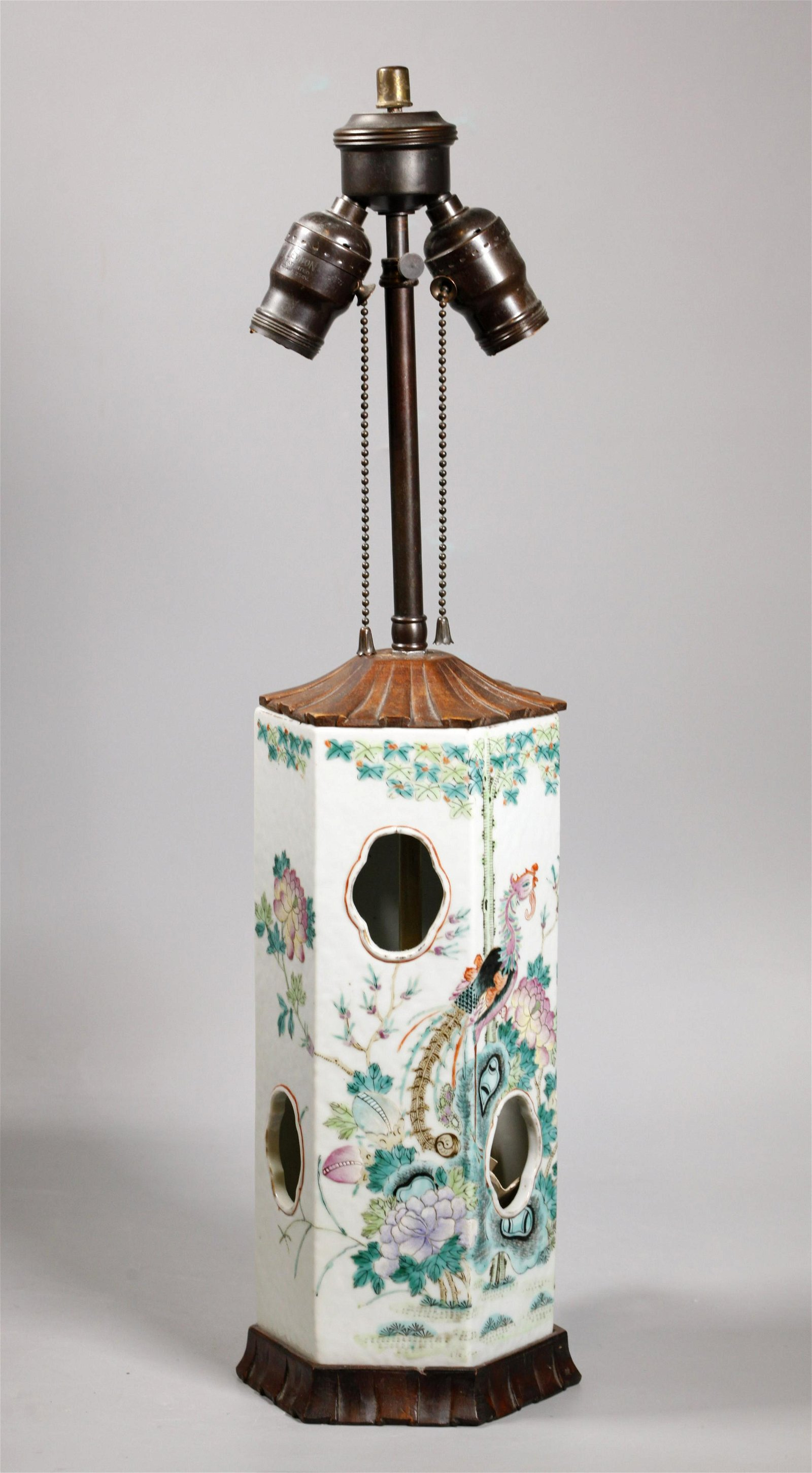 Chinese 19 C Famille Rose Porcelain Hat Stand