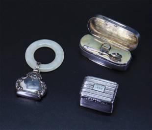 British 18C Sterling Nutmeg Grater Spice Box Spoon