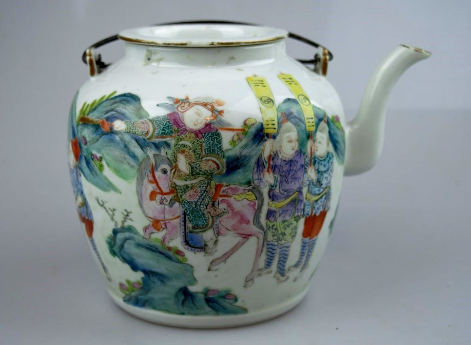 19th C Chinese Enameled Porcelain Teapot