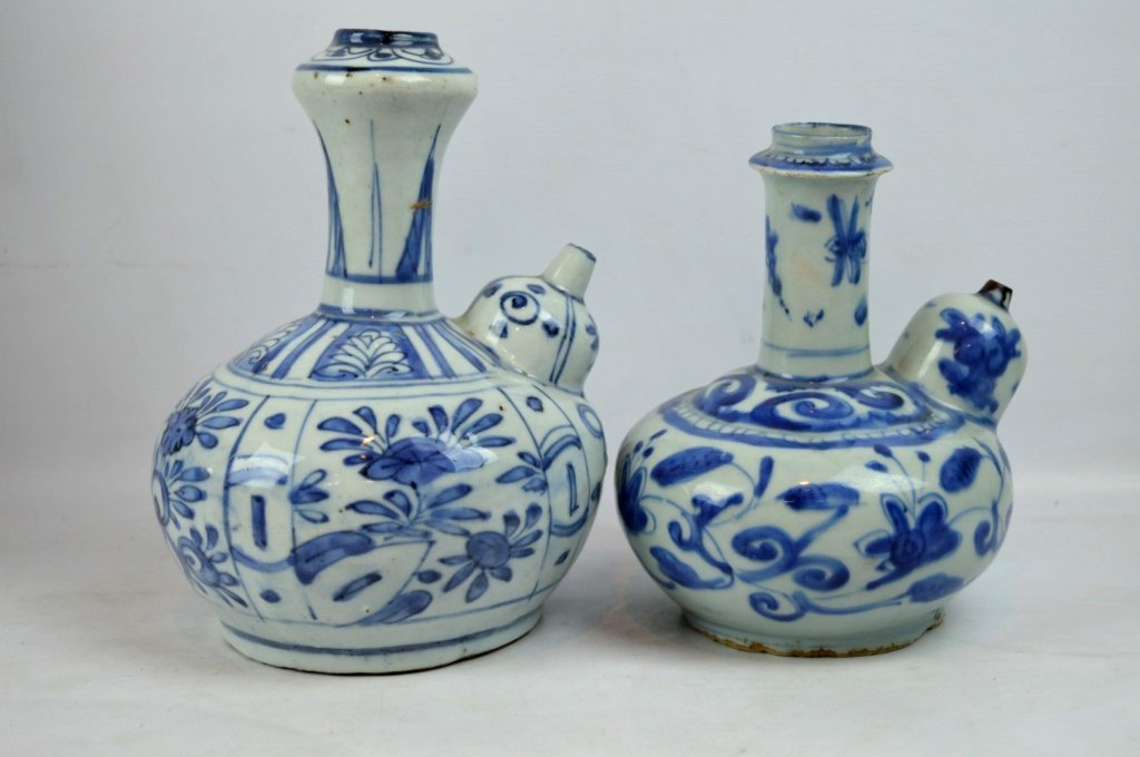 2 - Good Ming Dynasty Chinese Porcelain Kendis - 2