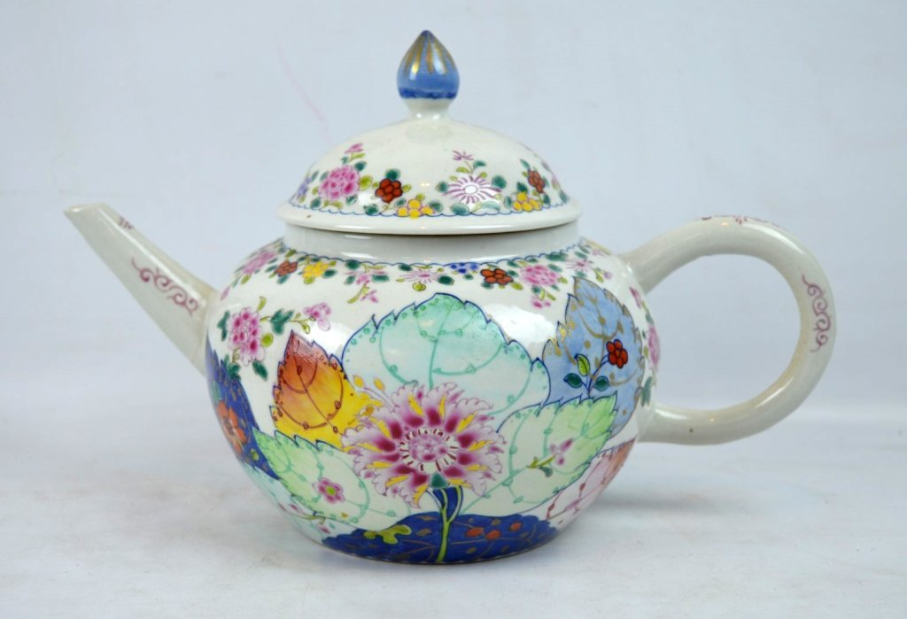 "Large 19C Chinese ""Tobacco-Leaf"" Porcelain Teapot"
