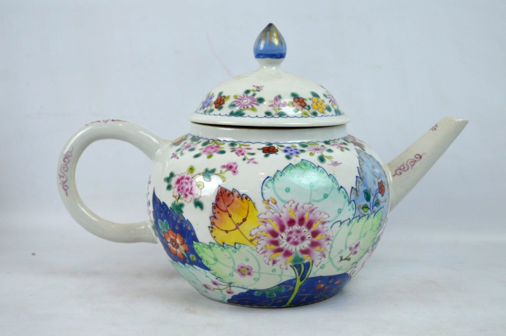 "Large 19C Chinese ""Tobacco-Leaf"" Porcelain Teapot - 2"