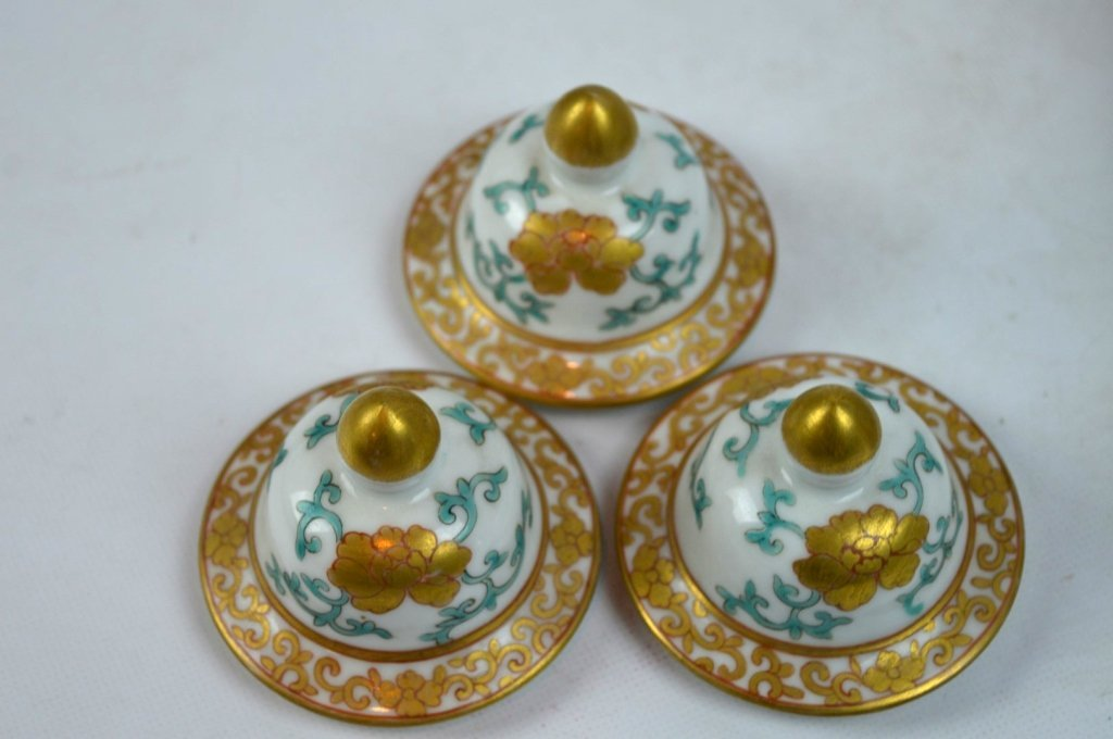 19th C Chinese Export 5-Piece Porcelain Garniture - 6
