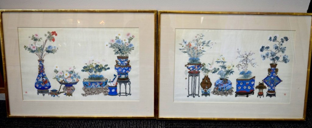 Pair Finely Detailed Chinese Paintings on Silk