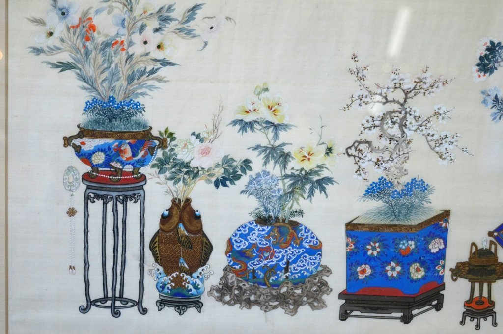 Pair Finely Detailed Chinese Paintings on Silk - 3
