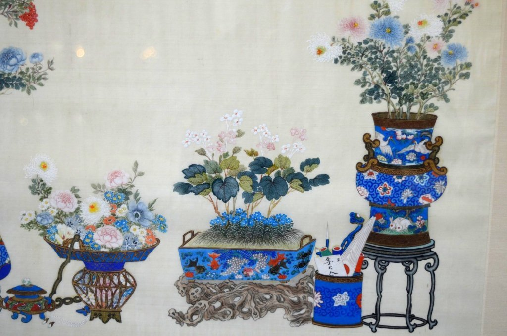 Pair Finely Detailed Chinese Paintings on Silk - 4