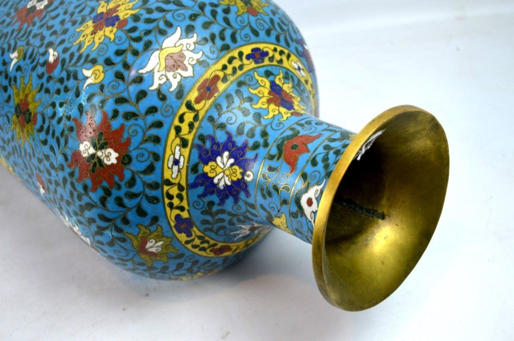 Large & Heavy 18th/19th C Chinese Cloisonne Vase - 7