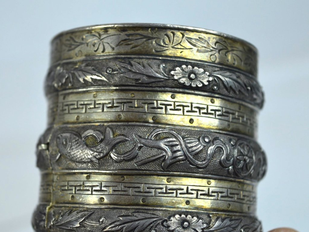 Rare 19th C Chinese Sycee Silver Hinged Bracelet - 2