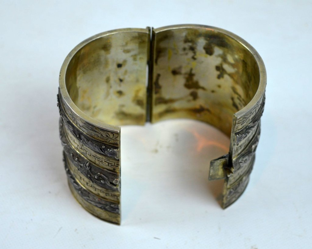 Rare 19th C Chinese Sycee Silver Hinged Bracelet - 6