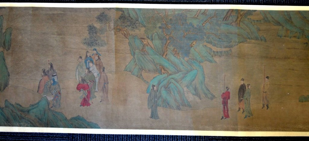 Long Chinese Historical Handscroll on Silk - 7