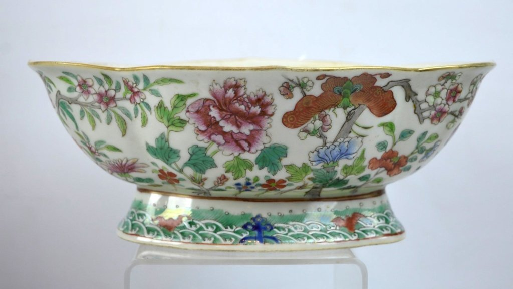 19th C Chinese Enameled Porcelain Footed Bowl