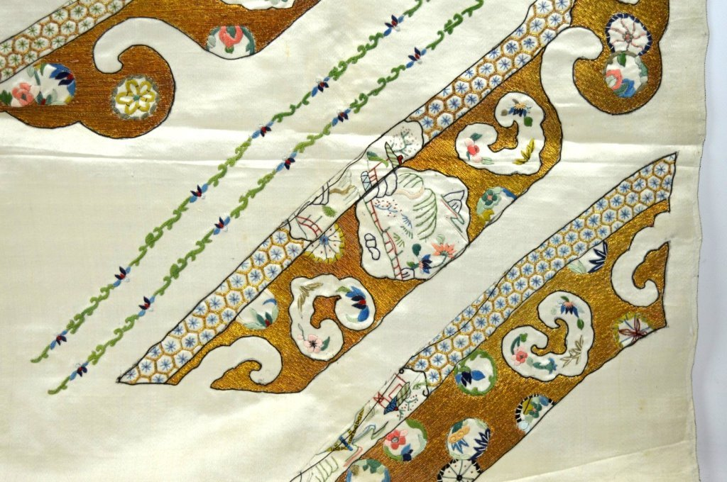 Qing Dynasty Chinese Un-Cut Silk Embroidery - 2