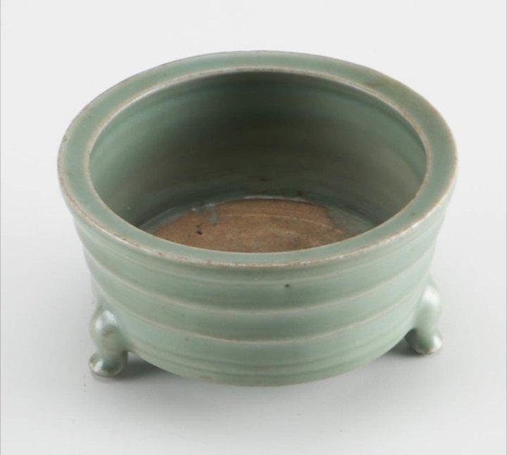 Song Dynasty Longquan Incense Burner - 2