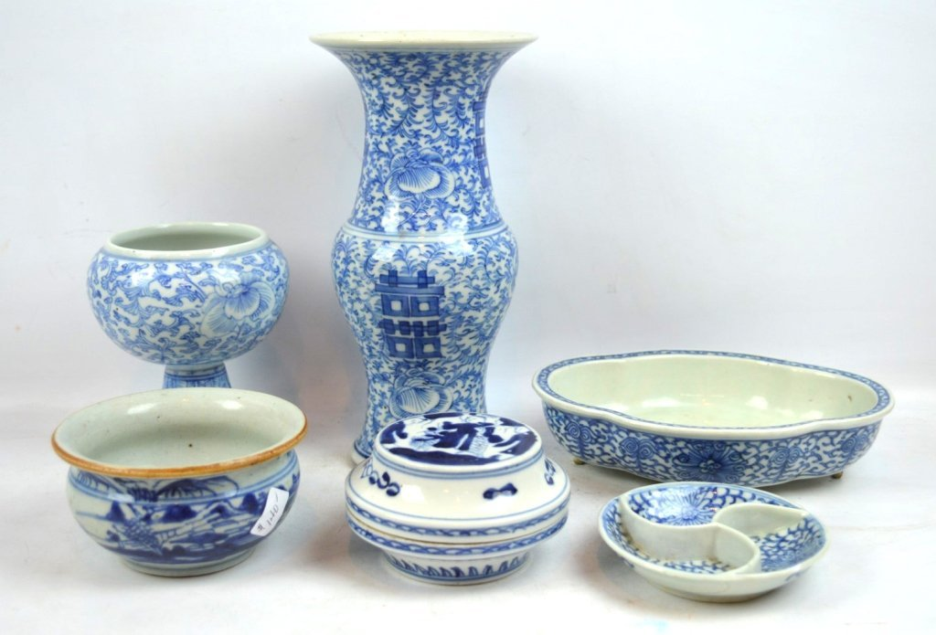 6 Pieces of Chinese 19th C Blue & White Porcelain
