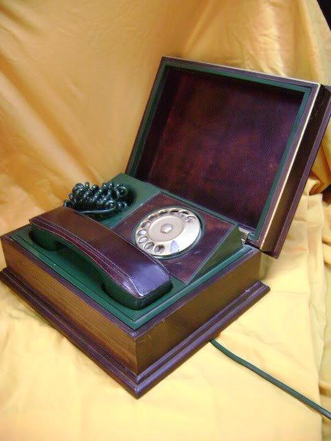 STRANGE ITALIAN TELEPHONE ABOUT 1960 IN WOOD CASE
