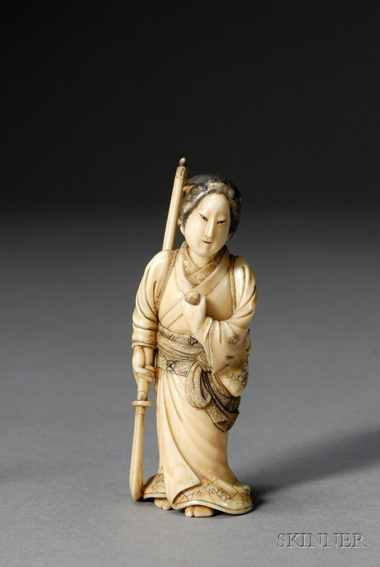 283: Ivory Carving, Japan, 19th century, standing figur