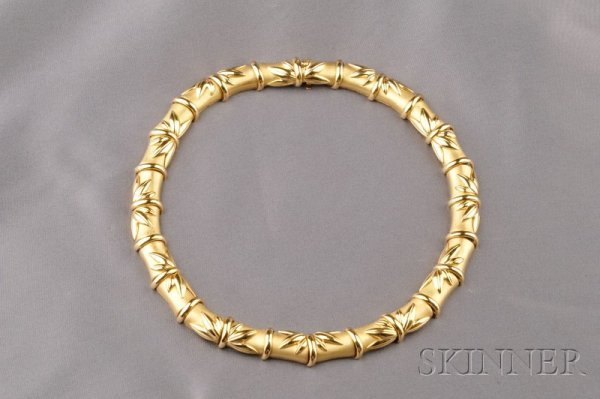 204: 18kt Gold Necklace, composed of bamboo form links,