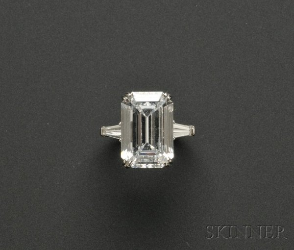 742: Platinum and Diamond Solitaire, prong-set with an