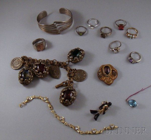 227: Small Group of Assorted Estate and Costume Jewelry