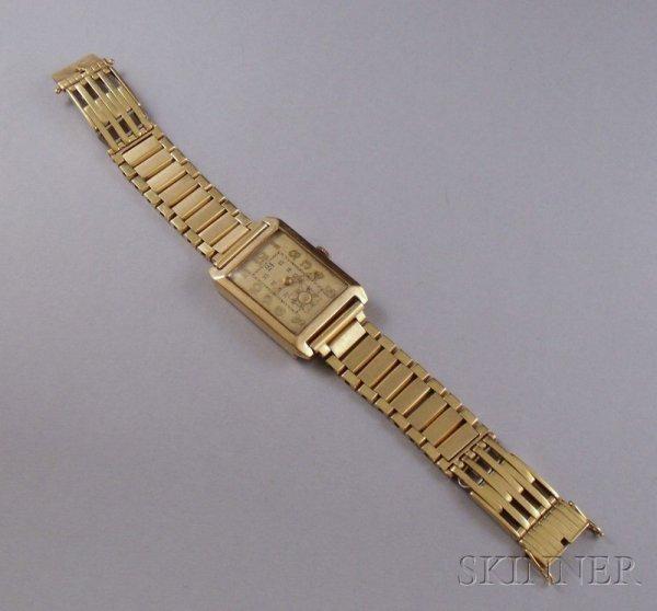 269: Man's Vintage Swiss 14kt Gold Bracelet Wristwatch,
