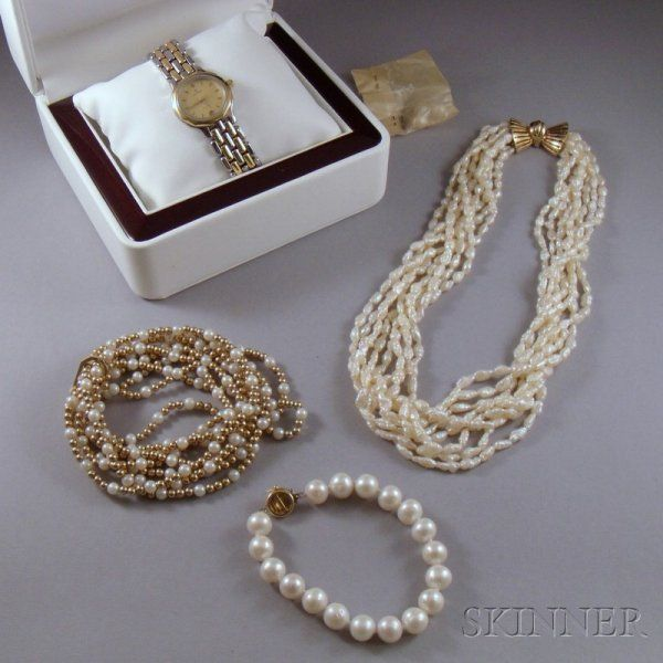 Small Group of Estate Jewelry, including a gold be