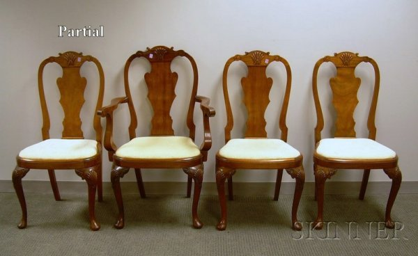 507: Set of Eight Queen Anne Style Carved Mahogany Dini