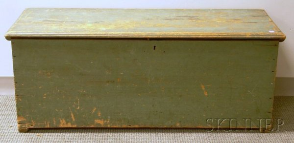 522: Green-painted Pine Six-Board Sea Chest, lg. 4 3/4