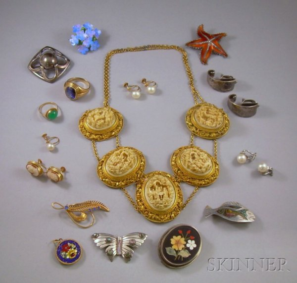 362: Small Group of Jewelry, including two gold gem-set