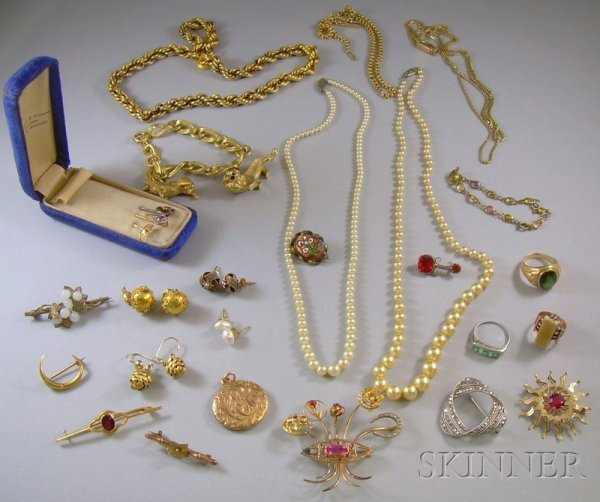 380: Group of Jewelry Items, including an 18kt gold bra