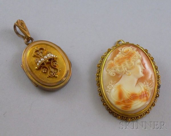 423: Two Antique Jewelry Items, a 14kt gold-framed shel