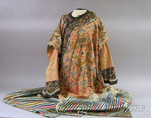 919: Chinese Silk Embroidered Coat.
