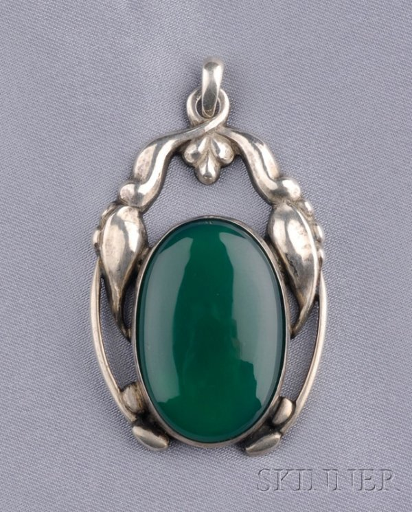 6: Silver and Green Onyx Pendant, Georg Jensen, set wit