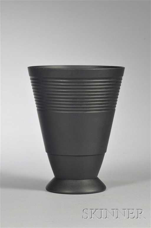 233 Wedgwood Keith Murray Black Basalt Vase England