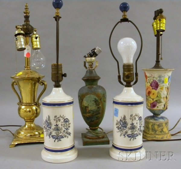 502: Five Assorted Decorative Table Lamps, a pair of po