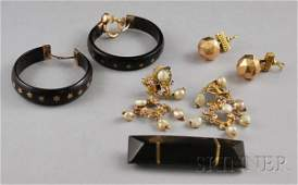 199: Small Group of Antique Jewelry, including three pa