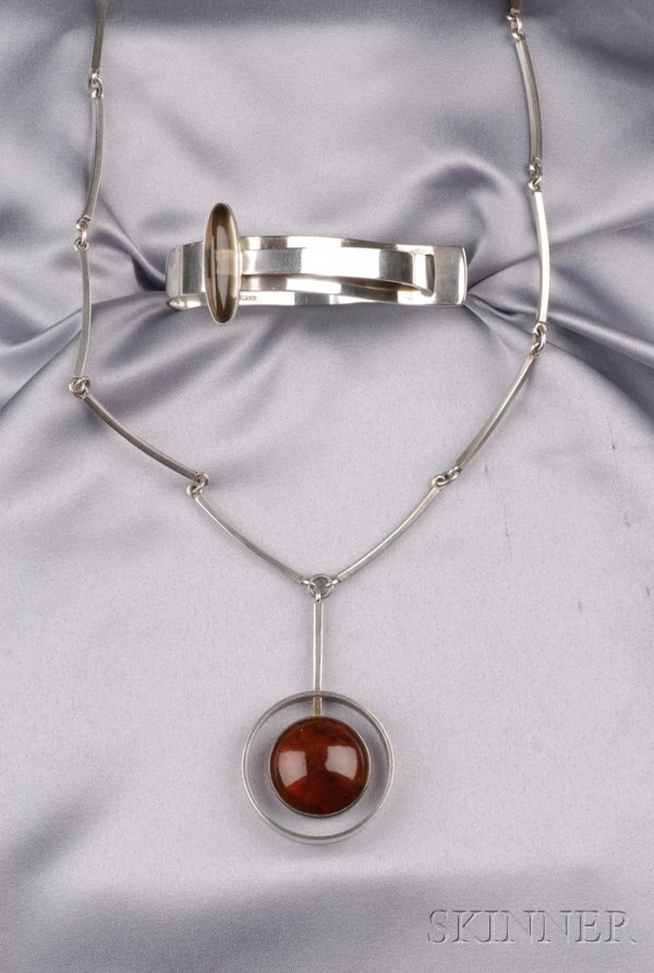 19: Sterling Silver and Amber Pendant Necklace, N.E. Fr