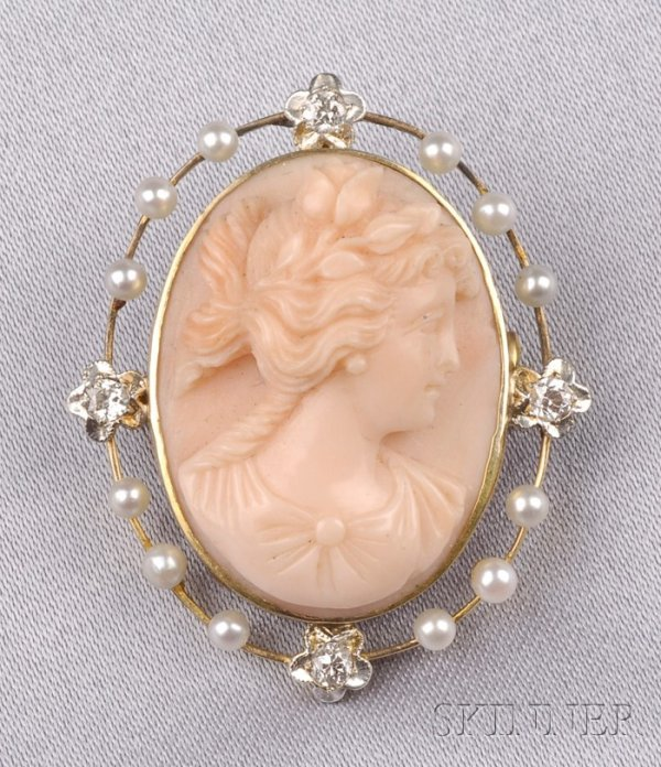 83: Antique 14kt Gold and Coral Cameo Pendant/Brooch, c
