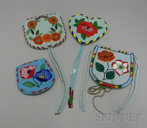 17: Four Floral Beaded Items. Provenance: Historic Lamm