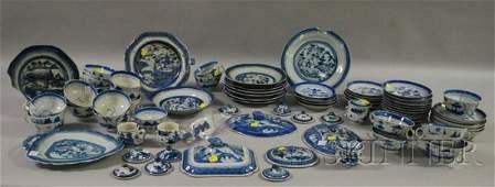732: Assembled Chinese Export Canton Porcelain Tablewar